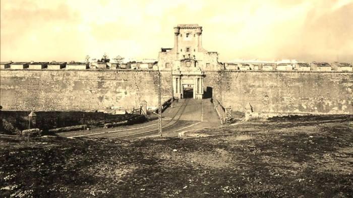 Murallas-de-Cádiz-1